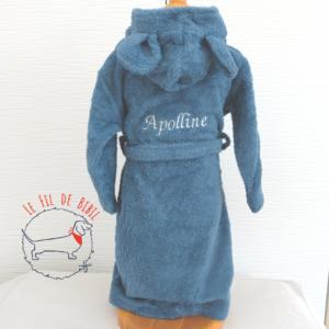 Peignoir enfant personnalisable en coton biologique Popolini, brodé à Bruxelles par le Fil de Bibil