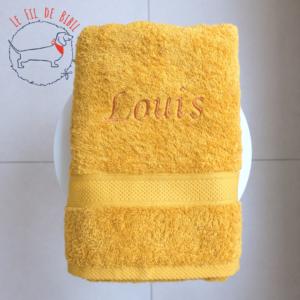 Serviette de douche golden yellow de witte lietaer broderie par le Fil de Bibil